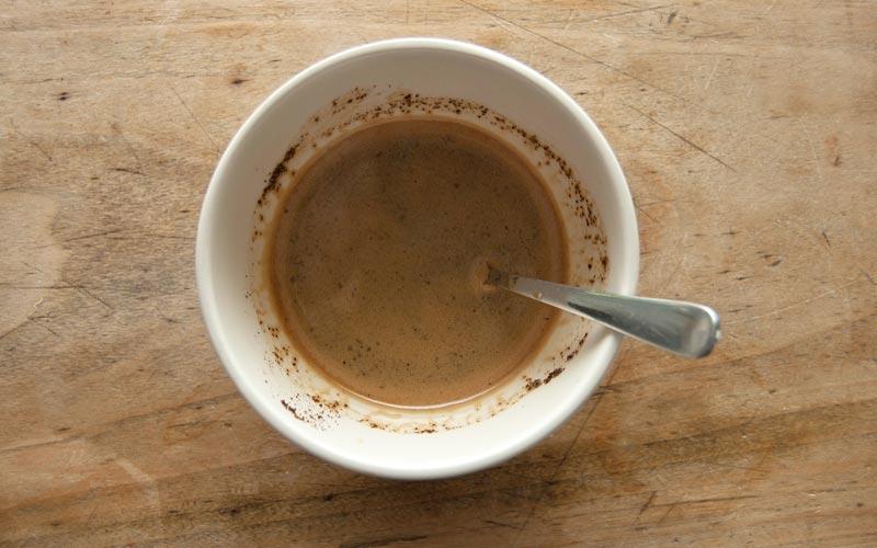 Holz mit Kaffeesatz beizen | Kaffee aufbrühen