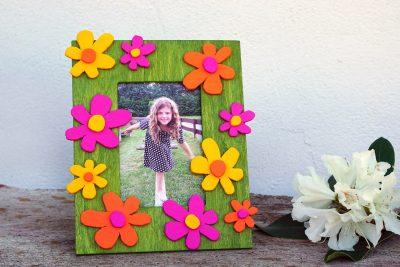 DIY-Geschenk zum Muttertag | Bilderrahmen mit gesägten Blumen