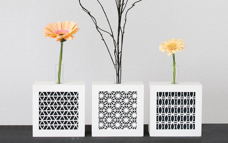 Black & White | Reagenzglas-Vasen mit geometrischen Mustern