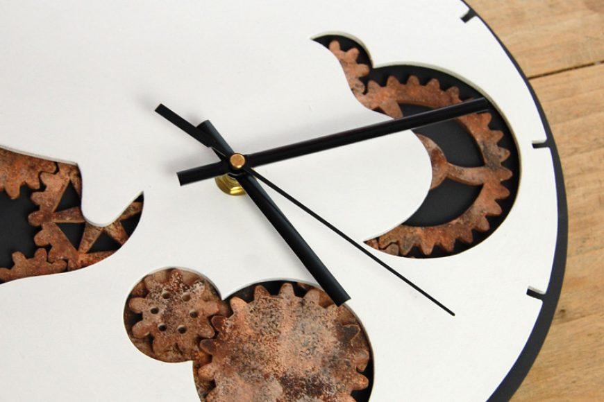 Wanduhren aus Holz selbst herstellen – Einbau des Uhrwerks