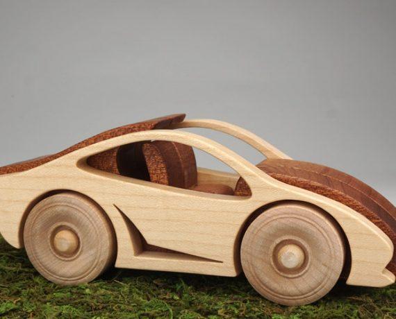 Wood Racer – Rennwagen aus Holz