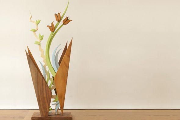 Blumenvasen-Skulptur