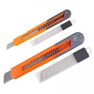 Cuttermesser in zwei Größen mit Ersatzklingen